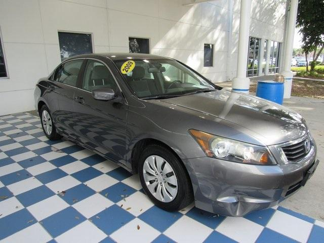 Pre-Owned 2009 Honda Accord 4dr I4 Auto LX