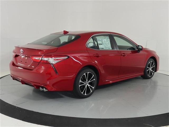 New 2019 Toyota Camry SE